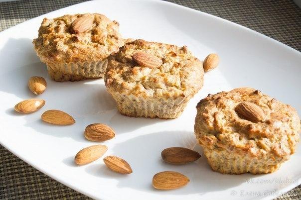 Творожные кексы с миндалем и яблоками